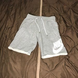 Nike Sportswear Men's Logo Shorts